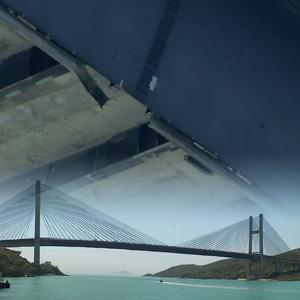 汲水門大橋遭撞